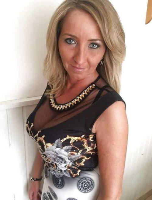 Andrée  une chaude cougar de Lyon pour un plan sexe mature
