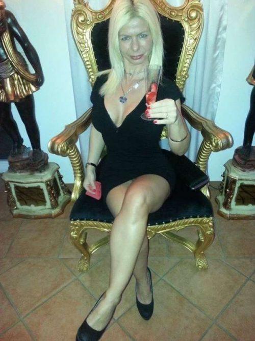 Claudette une daronne salope de Montrouge pour un bel homme pour femme mûre